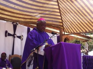 Picture of Bishop Martin Mtumbuka delivering his homily