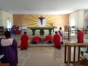 Bishop Mtumbuka Celebrates Good Friday with the Faithful of St Joseph the Worker Cathedral