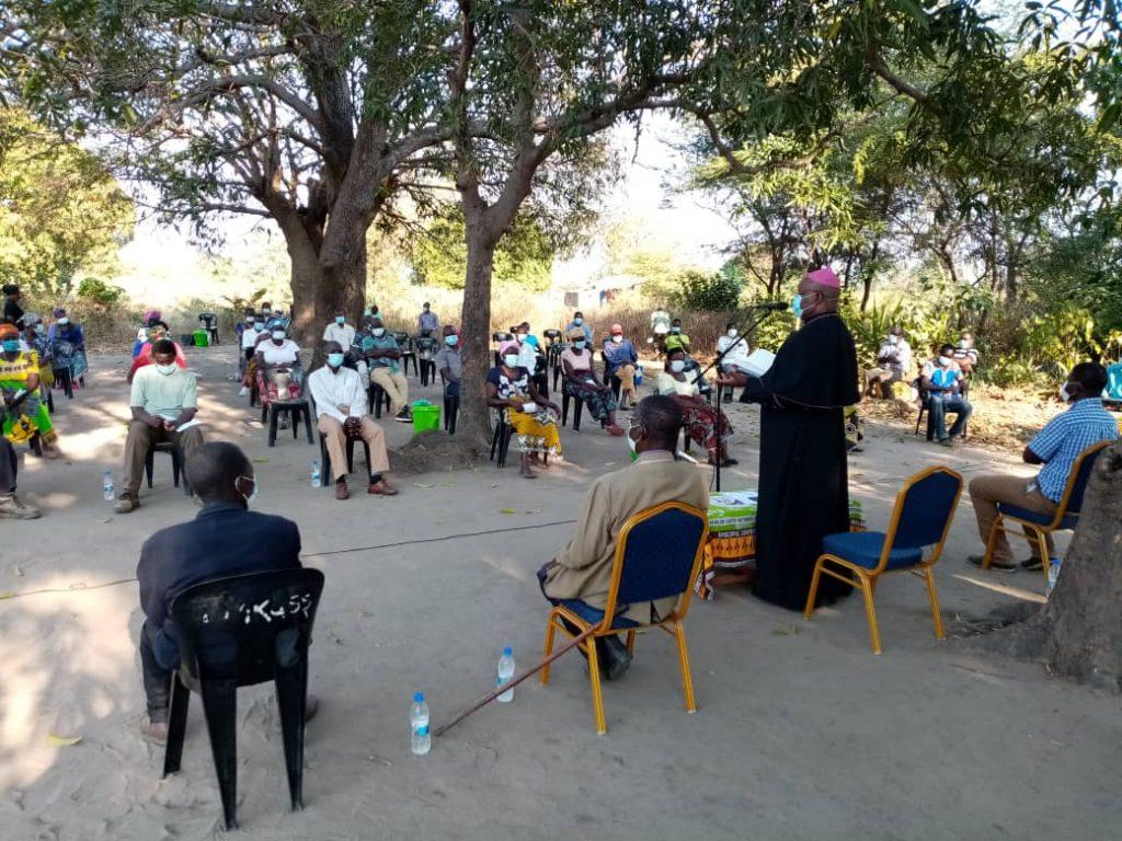 Bishop Mtumbuka addressing His neighbours