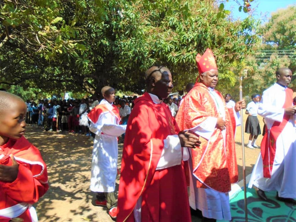 Entrance Procession: Bishop Mtumbuka and Father Laurent Dziko (Parish Priest of Kasantha)