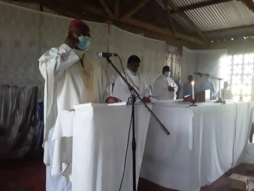 Bishop Martin Mtumbuka during Mass